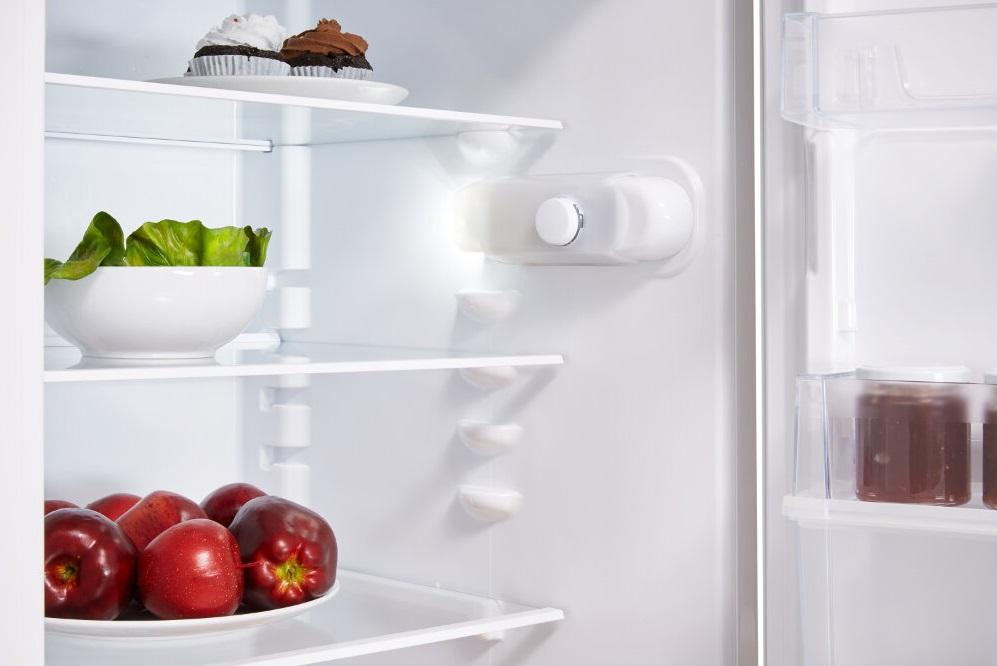 Imagini pentru Combina frigorifica Indesit LR7 S1 W